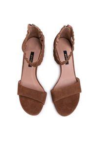 Brązowe sandały Gino Rossi klasyczne