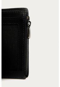 Czarny portfel Guess Jeans