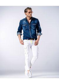 GUNS & TUXEDOS - Białe jeansy z kieszeniami Mohicans 3. Kolor: biały. Materiał: jeans. Styl: elegancki
