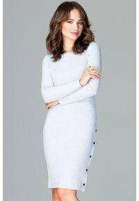 Lenitif - Dzianinowa dopasowana sukienka tuba błękitna. Okazja: na co dzień, do pracy. Kolor: niebieski. Materiał: dzianina. Wzór: prążki. Typ sukienki: dopasowane. Styl: casual