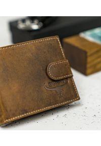 BUFFALO WILD - Skórzany portfel męski j. brązowy Buffalo Wild RM-05L-HBW TAN. Kolor: brązowy. Materiał: skóra