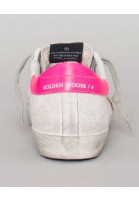 GOLDEN GOOSE - Sneakersy Superstar. Okazja: na co dzień. Kolor: biały. Materiał: jeans. Wzór: kwiaty, nadruk, aplikacja. Obcas: na koturnie