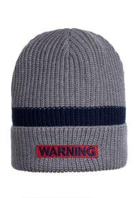 Szara czapka Giamo z aplikacjami