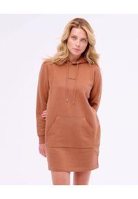 PAPROCKI&BRZOZOWSKI - Brązowa sukienka KISS HERE. Kolor: brązowy. Materiał: bawełna. Wzór: haft, nadruk