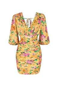 SELF LOVE - Żółta sukienka Berlin w kwiaty. Kolor: żółty. Materiał: wiskoza. Wzór: kwiaty. Długość: mini