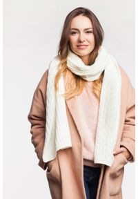 Zimowy szalik damski PaMaMi - Beżowy. Okazja: na spacer. Kolor: beżowy. Materiał: poliamid, akryl. Sezon: zima