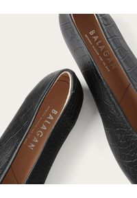 BALAGAN - Czarne baleriny Opera w zwierzęcy wzór. Nosek buta: okrągły. Kolor: czarny. Materiał: jeans. Wzór: motyw zwierzęcy