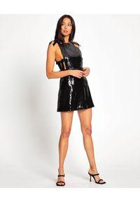ALICE MCCALL - Cekinowa sukienka mini Dreamer. Typ kołnierza: dekolt kwadratowy. Kolor: czarny. Wzór: aplikacja. Typ sukienki: rozkloszowane. Długość: mini