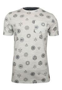 Szary T-Shirt (Koszulka) z Kieszonką -Brave Soul- Męski, Figury Geometryczne, Bryły. Okazja: na co dzień. Kolor: szary. Materiał: poliester, bawełna. Wzór: geometria. Styl: casual