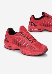 Born2be - Czerwone Buty Sportowe Chaliria. Kolor: czerwony