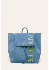 Niebieski plecak Patrizia Pepe z aplikacjami