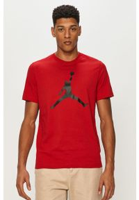 Czerwony t-shirt Jordan z nadrukiem, casualowy