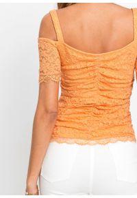 Shirt cold-shoulder z koronką bonprix jasnopomarańczowy. Kolor: pomarańczowy. Materiał: koronka. Długość rękawa: na ramiączkach. Wzór: koronka
