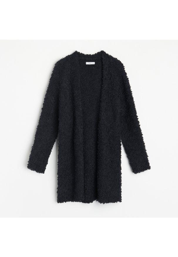 Czarny sweter Reserved długi
