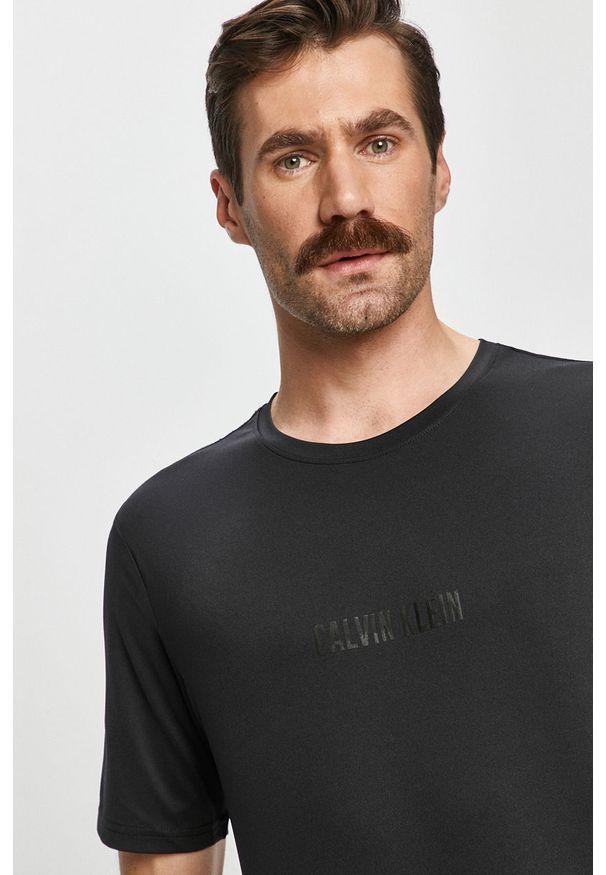 Czarny t-shirt Calvin Klein Performance na co dzień, casualowy