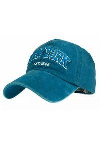 Niebieska czapka Pako Jeans na lato, z napisami