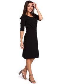 Czarna sukienka wizytowa MOE midi