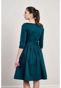 Marie Zélie - Sukienka Melia bawełna z elastanem zieleń. Typ kołnierza: kokarda. Materiał: elastan, bawełna. Styl: klasyczny