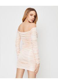 ALEXANDRE VAUTHIER - Pudrowa sukienka z marszczeniami. Kolor: beżowy. Materiał: materiał. Wzór: aplikacja. Typ sukienki: z odkrytymi ramionami. Styl: klasyczny. Długość: mini