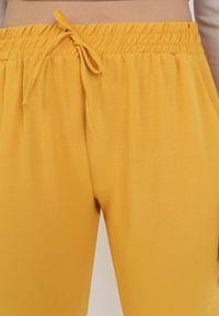Born2be - Żółte Spodnie Viffi. Kolor: żółty