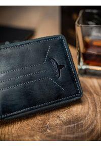 Niebieski portfel BUFFALO WILD w prążki