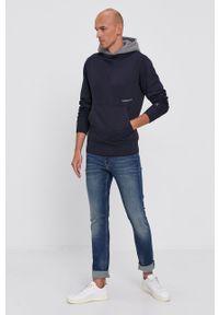 Calvin Klein Jeans - Bluza bawełniana. Okazja: na co dzień. Typ kołnierza: kaptur. Kolor: niebieski. Materiał: bawełna. Styl: casual
