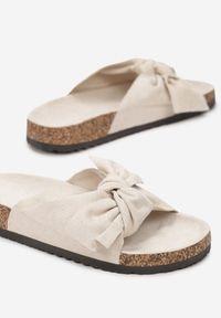 Renee - Beżowe Klapki Saraia. Okazja: na co dzień. Nosek buta: otwarty. Kolor: beżowy. Sezon: lato. Styl: casual