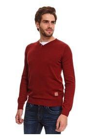 TOP SECRET - Sweter gładki ze wstawką. Typ kołnierza: dekolt w serek. Kolor: czerwony. Materiał: materiał. Długość rękawa: długi rękaw. Długość: długie. Wzór: gładki. Sezon: zima. Styl: elegancki
