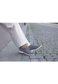 Zapato - półbuty - skóra naturalna - model 258 - kolor szary. Nosek buta: okrągły. Zapięcie: sznurówki. Kolor: szary. Materiał: skóra. Wzór: kolorowy. Sezon: lato. Obcas: na obcasie. Styl: elegancki, klasyczny. Wysokość obcasa: niski
