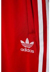 Czerwone spodnie dresowe adidas Originals na co dzień, casualowe, z aplikacjami