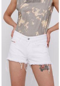 Diesel - Szorty jeansowe. Okazja: na co dzień. Kolor: biały. Materiał: jeans. Wzór: gładki. Styl: casual