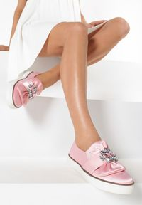 Różowe tenisówki Born2be