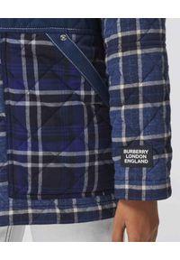 Burberry - BURBERRY - Pikowana koszula patchwork. Kolor: niebieski. Materiał: bawełna. Wzór: aplikacja, kratka