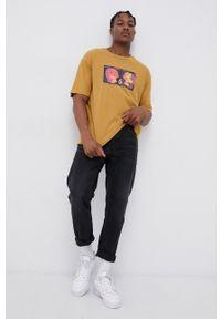 Volcom - T-shirt bawełniany x Animoscillator. Okazja: na co dzień. Kolor: żółty. Materiał: bawełna. Wzór: nadruk. Styl: casual