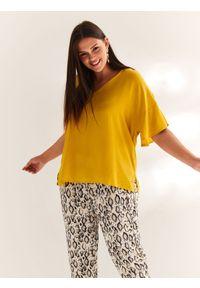 Żółta bluzka TOP SECRET z krótkim rękawem, na wiosnę