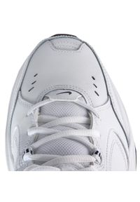 Białe buty treningowe Nike z cholewką