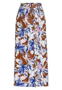 Spódnica z wiskozy bonprix ceglastobrązowy - lila niebieski w kwiaty. Kolor: brązowy. Materiał: wiskoza. Wzór: kwiaty. Styl: elegancki