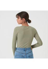 Sinsay - Prążkowany sweter - Zielony. Kolor: zielony. Materiał: prążkowany
