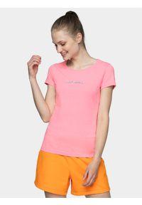 4f - T-shirt damski. Kolor: różowy. Materiał: bawełna, poliester, elastan