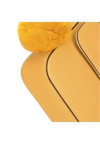 Żółta listonoszka Wittchen z breloczkiem, z tłoczeniem, elegancka, z aplikacjami