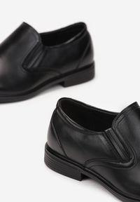 Born2be - Czarne Półbuty Aesapius. Nosek buta: okrągły. Zapięcie: bez zapięcia. Kolor: czarny. Szerokość cholewki: normalna. Wzór: gładki. Wysokość cholewki: przed kostkę. Materiał: skóra. Obcas: na obcasie. Styl: klasyczny. Wysokość obcasa: niski #4