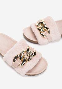 Renee - Różowe Klapki Phoiphe. Okazja: na co dzień. Nosek buta: otwarty. Kolor: różowy. Materiał: futro, materiał. Styl: casual