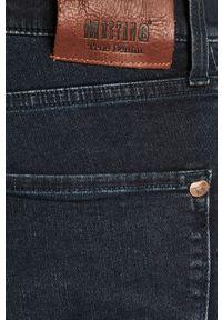 Niebieskie jeansy Mustang z aplikacjami