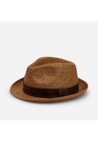 Brązowy kapelusz Reserved