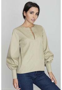 Figl - Oliwkowa Bluzka Koszulowa z Rozcięciem przy Dekolcie. Kolor: oliwkowy. Materiał: poliester, bawełna