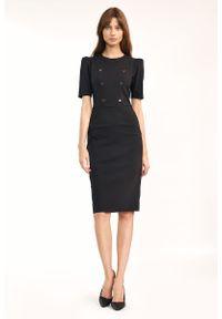 Nife - Czarna Prosta Sukienka z Guzikami. Kolor: czarny. Materiał: bawełna, poliester, elastan. Typ sukienki: proste
