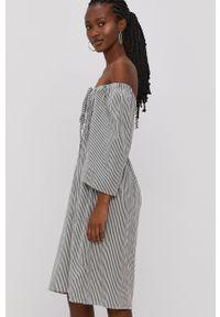 Vero Moda - Sukienka. Kolor: zielony. Materiał: tkanina, bawełna. Typ sukienki: rozkloszowane