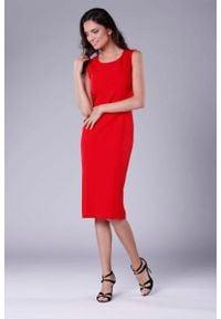 Nommo - Czerwona Szykowna Sukienka Ołówkowa bez Rękawów. Kolor: czerwony. Materiał: wiskoza, poliester. Długość rękawa: bez rękawów. Typ sukienki: ołówkowe. Styl: elegancki