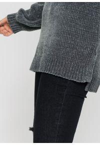 Długi sweter z szenili bonprix antracytowy. Kolor: szary. Długość: długie