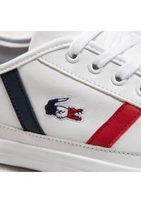 Lacoste - Sneakersy LACOSTE - Sideline Tri2 Cma 7-39CMA0052407 Wht/Nvy/Red. Okazja: na co dzień. Kolor: biały. Materiał: skóra ekologiczna, skóra. Szerokość cholewki: normalna. Styl: casual, klasyczny, sportowy
